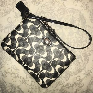 Coach Wristlet Black/White Small